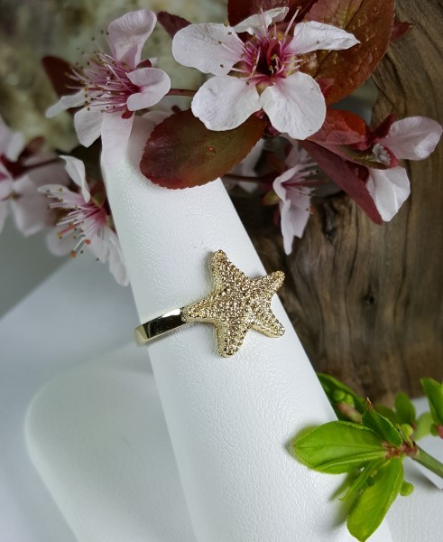 Starfish Ring 14kt Yellow Gold sizes 5-8