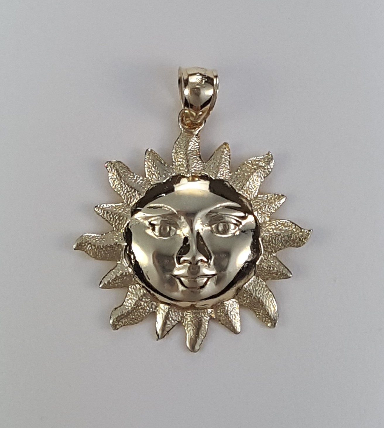 Radiant Sun Face Pendant 14kt Yellow Gold 1-1/4 Inch