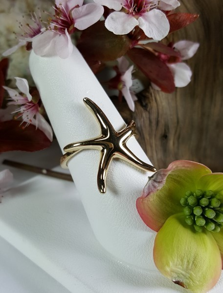 Starfish Ring 14kt Yellow Gold sizes 6-10